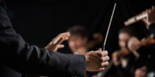 Entraîneur chef d'orchestre